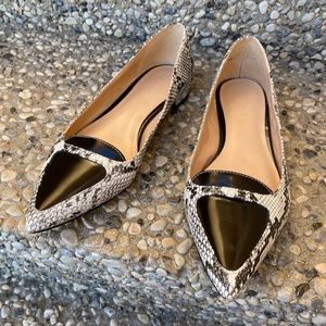 Expression faux snakeskin black & white shoe flats